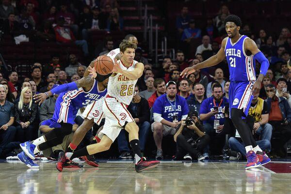 Игровой момент матча регулярного чемпионата НБА Филадельфия Севенти Сиксерс - Атланта Хокс