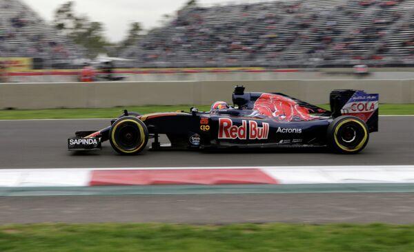Российский пилот Торо Россо Даниил Квят на этапе Гран-при Мексики
