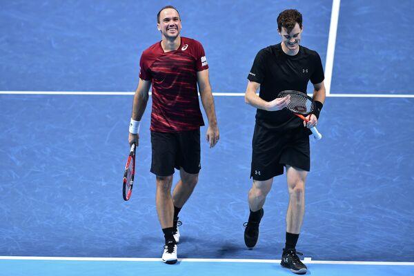 Бразильский теннисист Бруно Соарес и британец Джейми Маррей (слева направо)