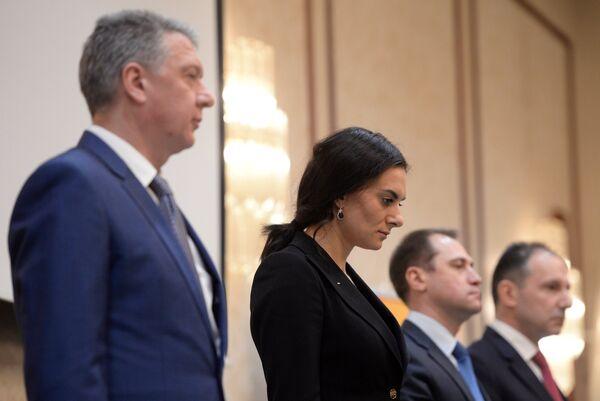Дмитрий Шляхтин (слева) и Елена Исинбаева