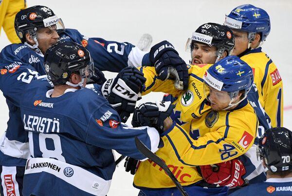 Игровой момент матча Кубка Первого канала Финляндия - Швеция
