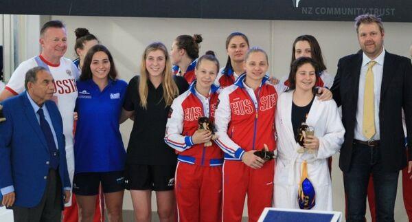 Ватерполистки сборной России (игроки не старше 18 лет)