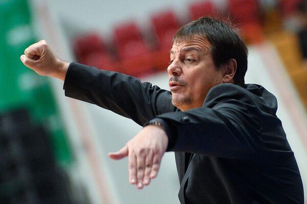 Главный тренер БК Галатасарай Эргин Атаман