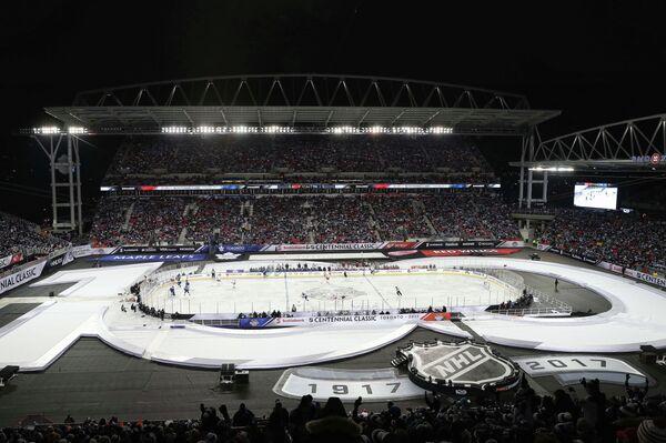 Матч Столетней классики НХЛ между Торонто Мэйпл Лифс и Детройт Ред Уингз