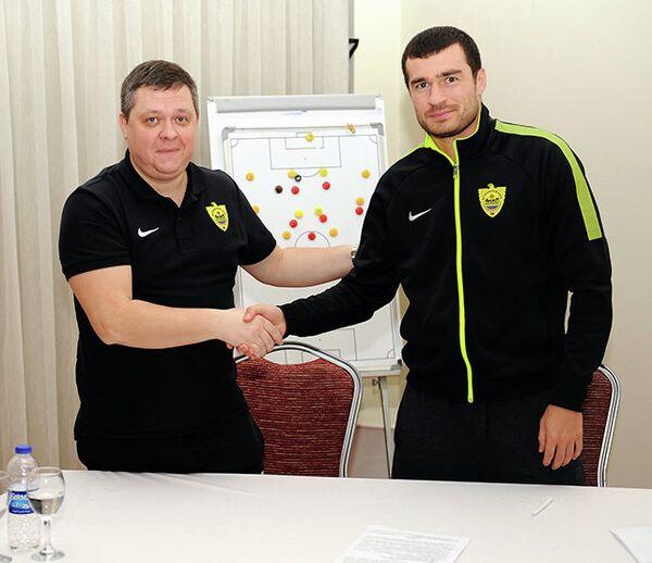 Аслан Дудиев (справа)