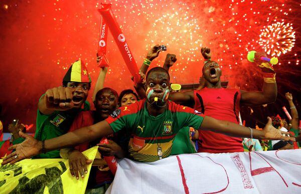 Болельщики сборной Камеруна по футболу