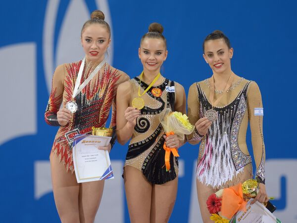 Юлия Бравикова (Россия), Дина Аверина (Россия) и Линой Ашрам (Израиль) (слева направо)