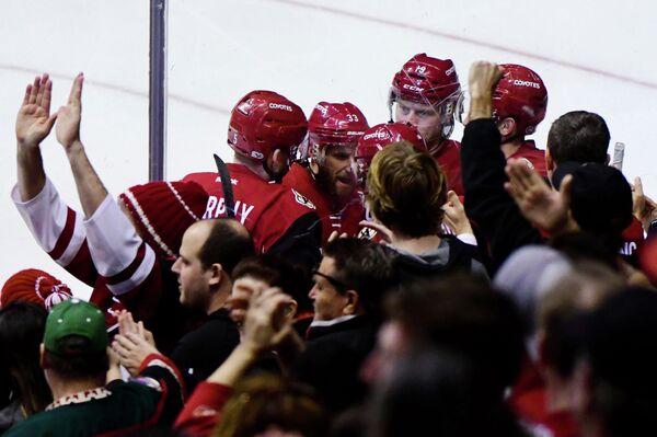 Хоккеисты Аризонырадуются заброшенной шайбе