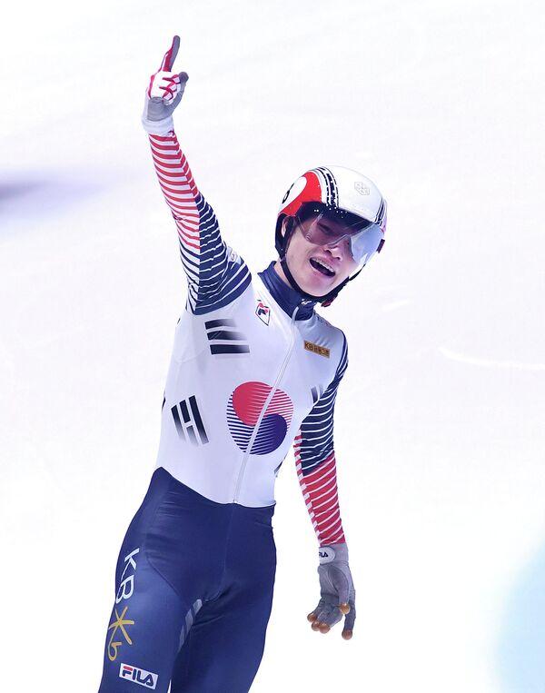 Корейский шорт-трекист Се И Ра