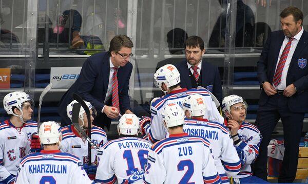 Тренеры СКА Харийс Витолиньш, Рашит Давыдов и Олег Знарок (слева направо)