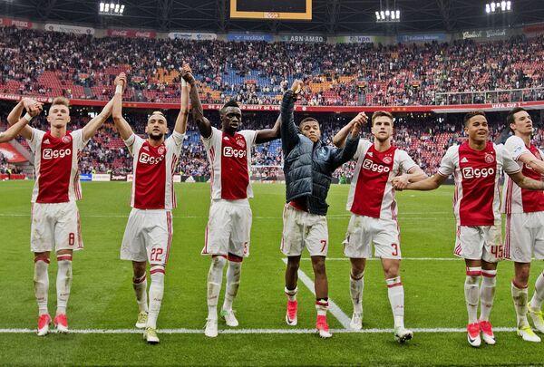 Футболисты амстердамского Аякса