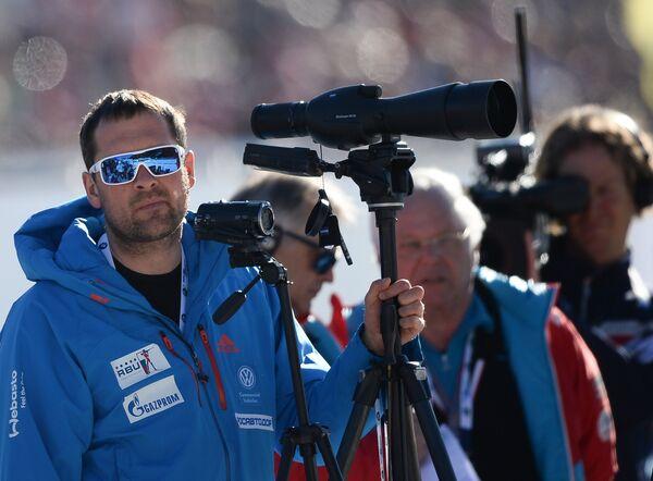 Тренер женской сборной России по биатлону Павел Ланцов