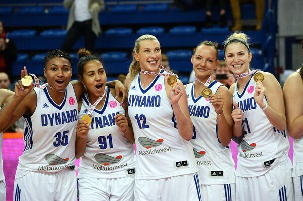 Слева направо: Энджел Маккотри, Виктория Медведева, Татьяна Видмер, Алена Кириллова, Вероника Дорошева