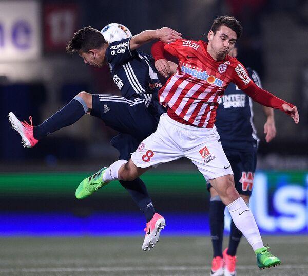 Игровой момент матча чемпионата Франции по футболу между Нанси и Марселем