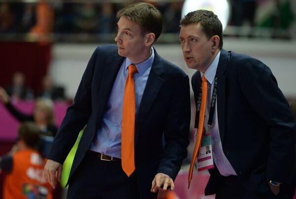 Главный тренер УГМК Олаф Ланге (слева) и Максим Рябков