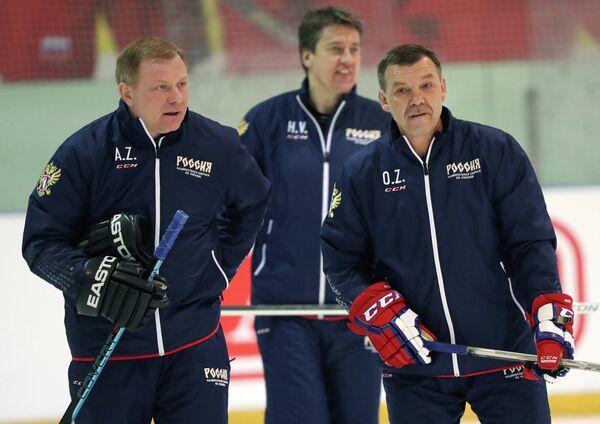 Олег Знарок, Харийс Витолиньш и Алексей Жамнов (справа налево)
