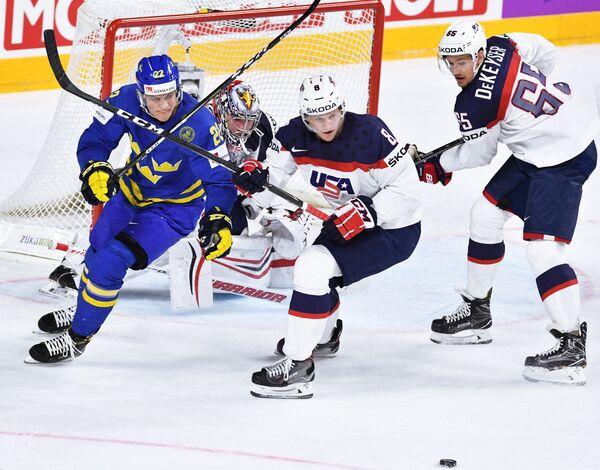Игровой момент матча США - Швеция