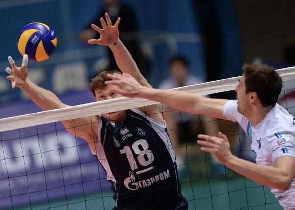 Алексей Родичев (слева)