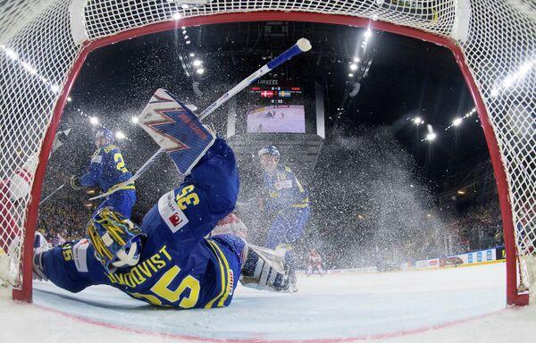 Голкипер сборной Швеции Хенрик Лундквист