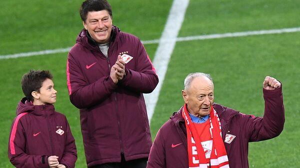 Арнольд Федун (справа) и Ринат Дасаев с сыном Салимом