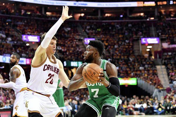 Игровой момент матча НБА Бостон - Кливленд