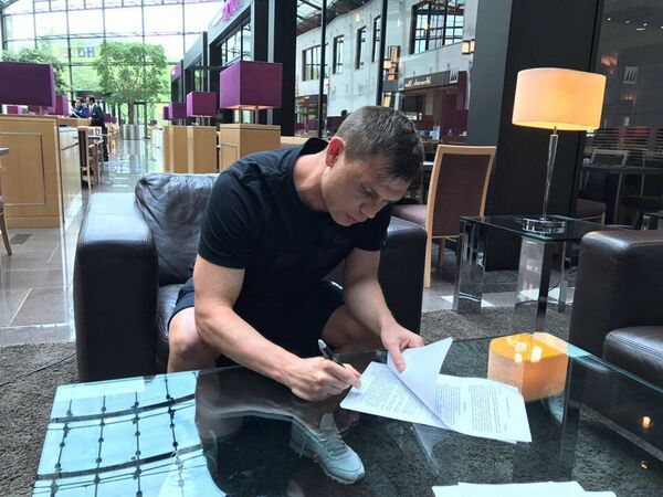 Марат Измайлов подписывает контракт с ФК Арарат (Москва)