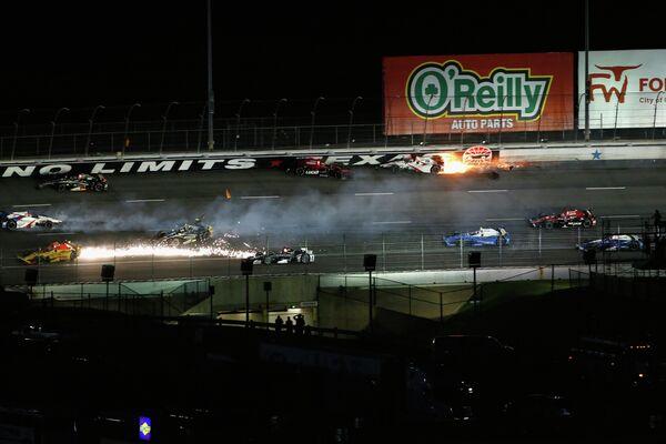 Авария на гонке Indycar в Техасе с участием Михаила Алешина