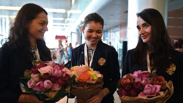 Члены женской сборной России по шахматам Александра Костенюк, Александра Горячкина и Екатерина Лагно (слева направо)