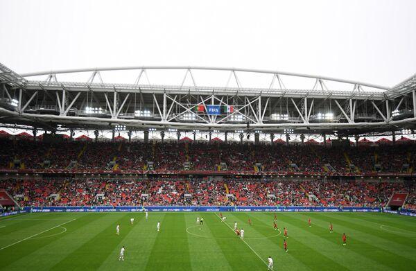 Игровой момент матча за третье место Кубка конфедераций-2017 между сборными Португалии и Мексики