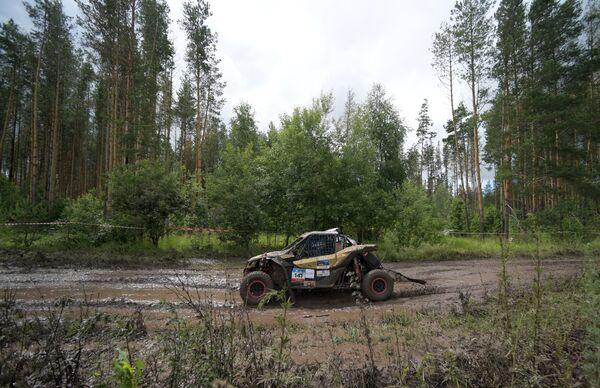 Автомобиль команды SUPROTEC RACING под управлением Марии Опариной (Россия)