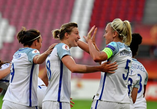 Футболистки женской сборной Англии