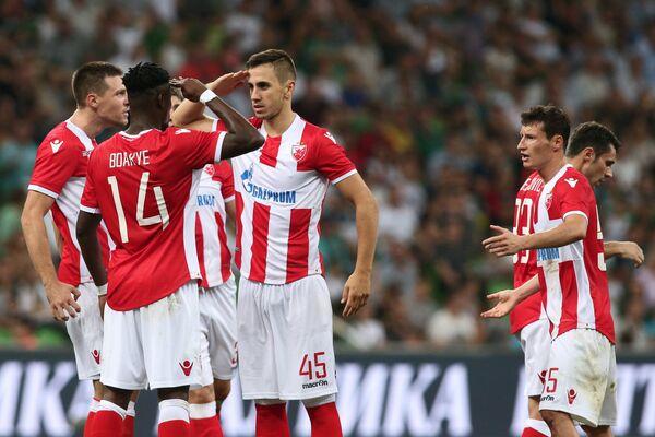 Футболисты Црвены Звезды радуются забитому голу