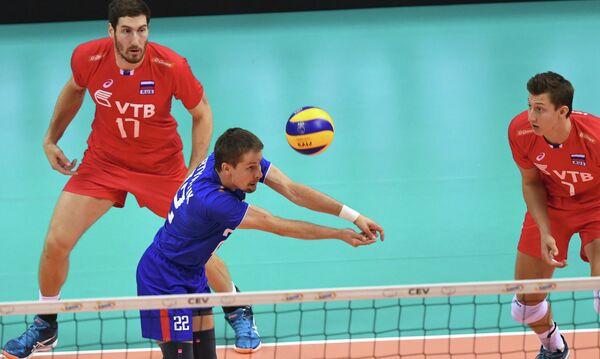 Волейболисты сборной России Максим Михайлов, Роман Мартынюк и Дмитрий Волков (слева направо)