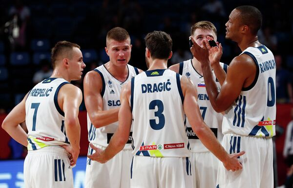 Баскетболисты сборной Словении
