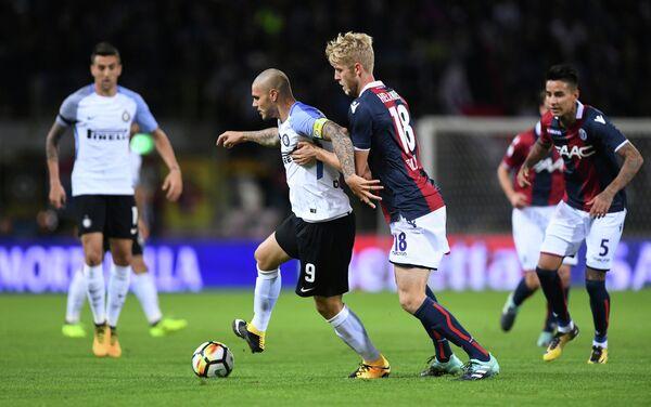 Игровой момент матча Болонья - Интер