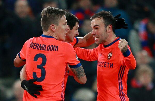Игроки ПФК ЦСКА Понтус Вернблум, Алан Дзагоев и Бибрас Натхо (слева направо)