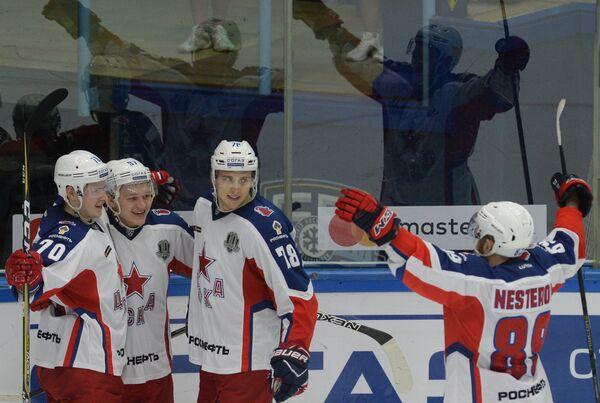 Хоккеисты ЦСКА Сергей Шумаков, Кирилл Капризов, Максим Шалунов и Никита Нестеров (слева направо)