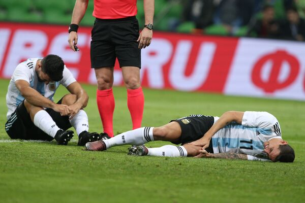Футболисты сборной Аргентины Серхио Агуэро и Анхель Ди Мария (слева направо)