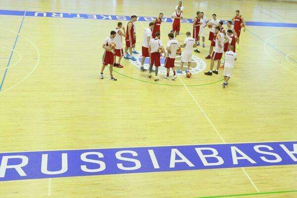 Игроки мужской сборной России по баскетболу