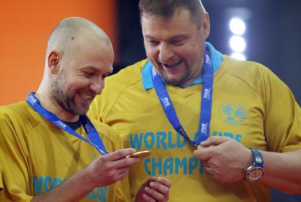 Либеро казанского Зенита Алексей Вербов (слева) и главный тренер команды Владимир Алекно