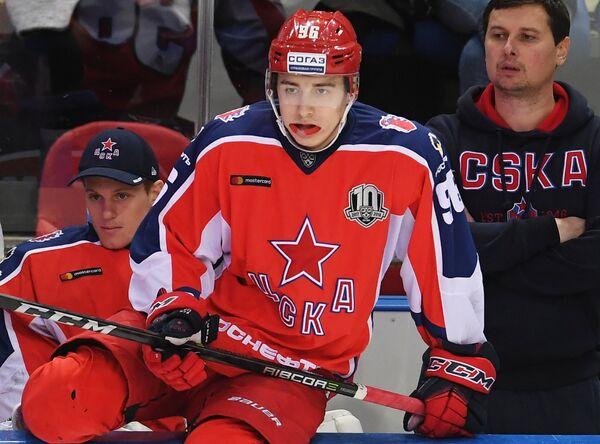 Андрей Кузьменко (в центре)