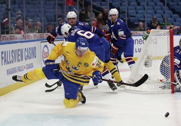 Капитан сборной Швеции по хоккею Лиас Андерссон