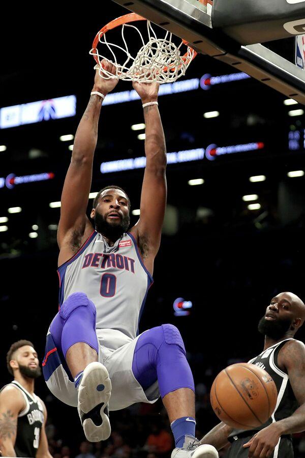 Центровой клуба НБА Детройт Пистонс Андре Драммонд (№0)