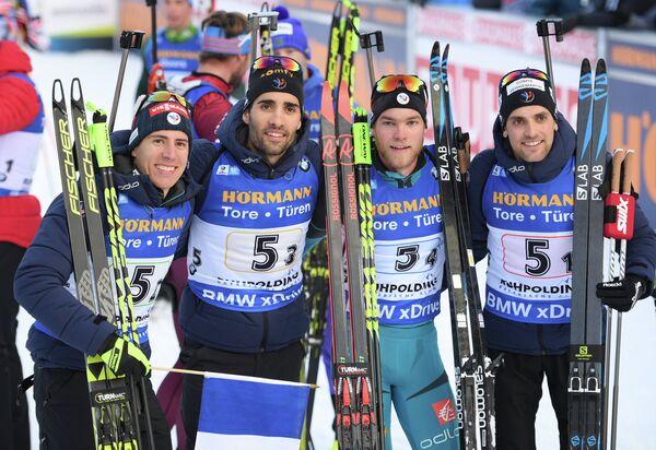 Биатлонисты сборной Франции Кентен Фийон-Мейе, Мартен Фуркад, Антонен Гигонна и Симон Дестьё (слева направо)