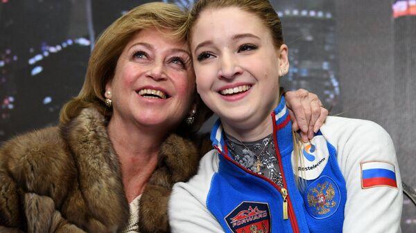 Мария Сотскова и Елена Буянова (справа налево)