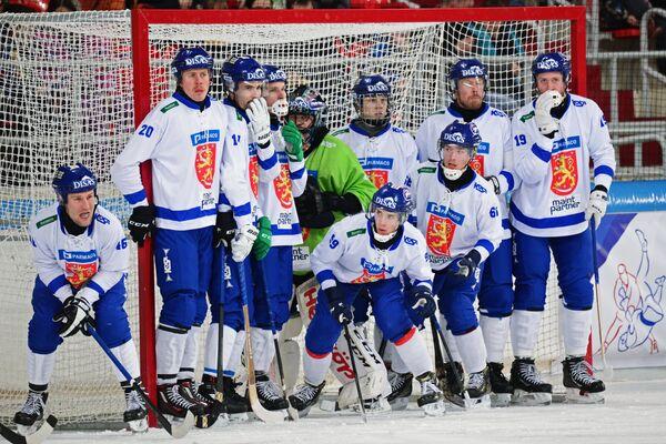 Игроки сборной Финляндии по хоккею с мячом