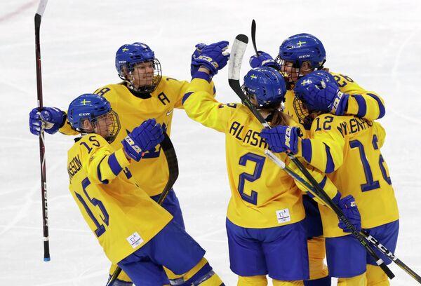 Хоккеистки сборной Швеции