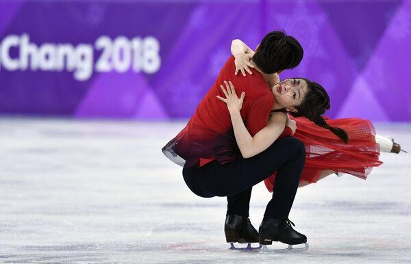 Майя Шибутани и Алекс Шибутани