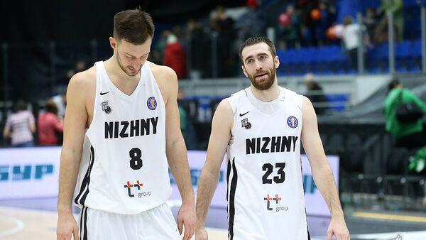 Баскетболисты Нижнего Новгорода Стеван Еловац (слева) и Джейкоб Одум