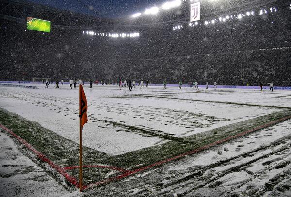 Поле стадиона Ювентуса в Турине
